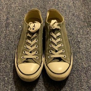 Converse Low-Top in Olive Green